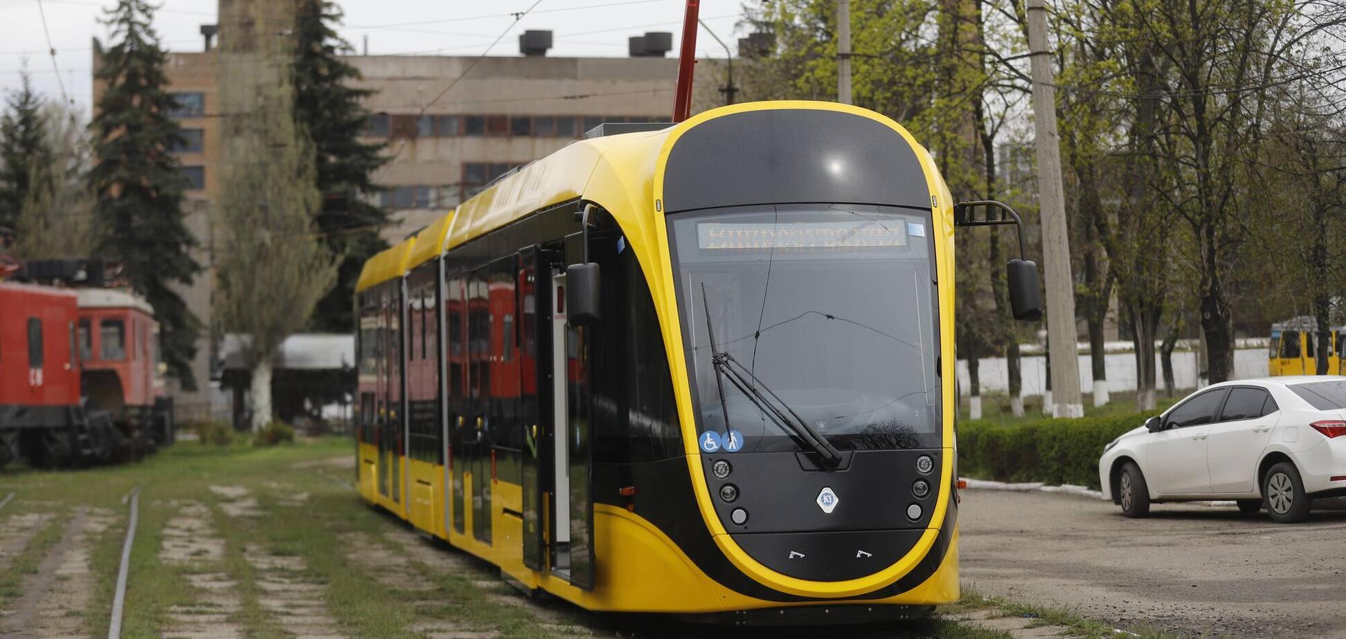 В Днепре испытывают новый низкопольный трамвай 'Татра-Юг К1-Т306'