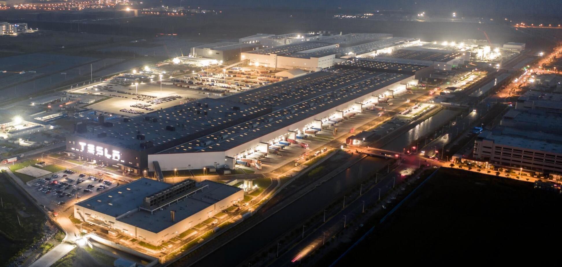 Tesla побудує у Шанхаї завод з переробки батарей