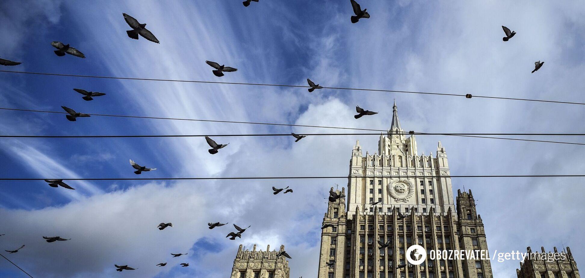 Россия выдворила дипломатов Словакии и стран Балтии