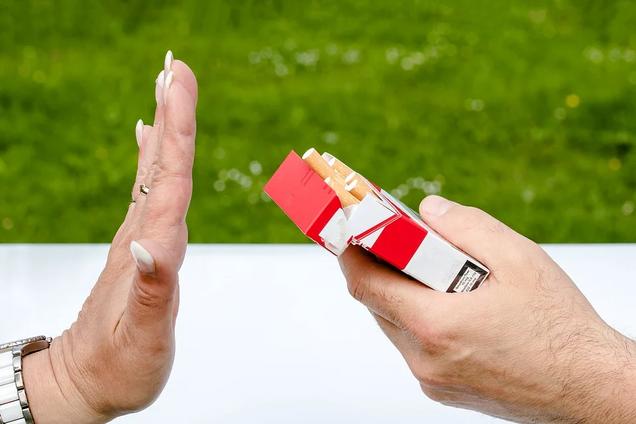 """Кожен третій дорослий і 40% дітей страждають від """"недобровільного куріння"""""""