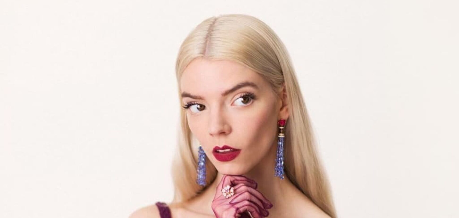 Зірка 'Королівського гамбіту' з'явилася на обкладинці Elle
