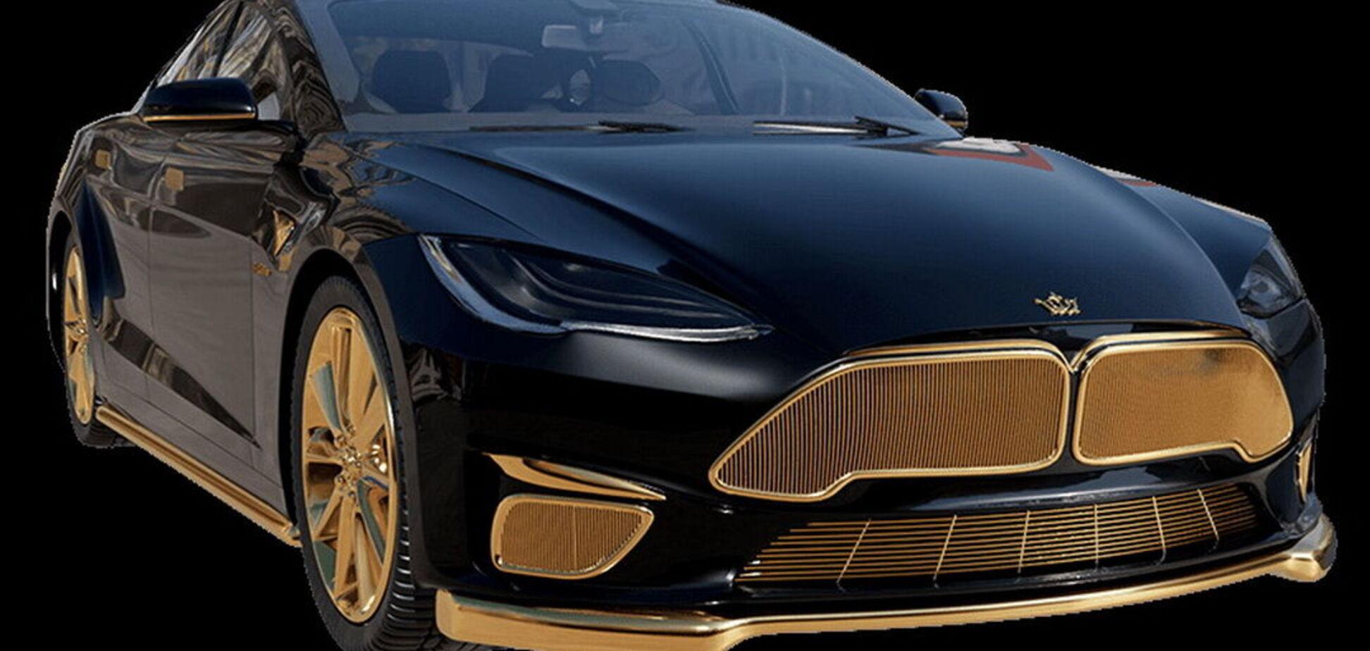 Електромобіль Tesla покрили золотом 999-ї проби