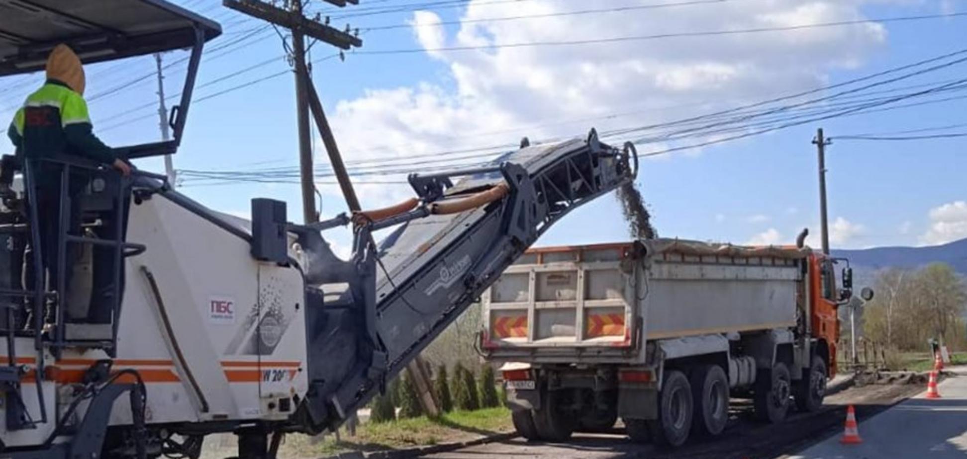 На Закарпатье стартовали ремонтные работы по восстановлению дорог территориального значения