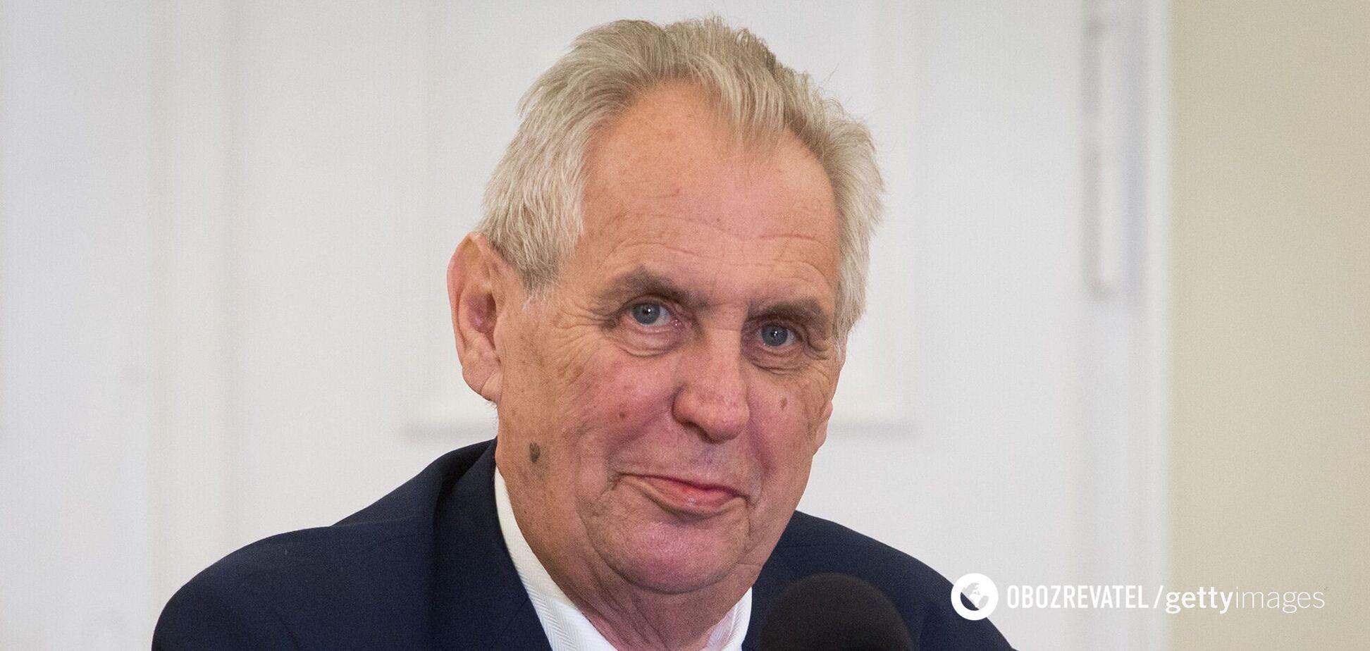 Президента Чехії через підігрування РФ звинуватили в зраді батьківщини