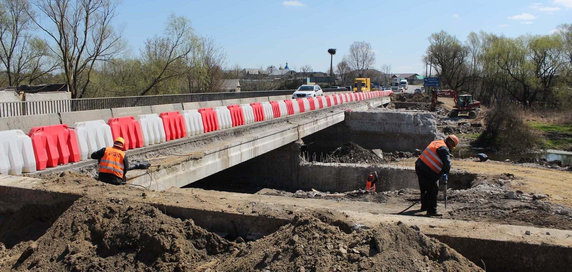 'Большая стройка' Зеленского: в Хмельницкой области завершили первый этап ремонта трассы М-12