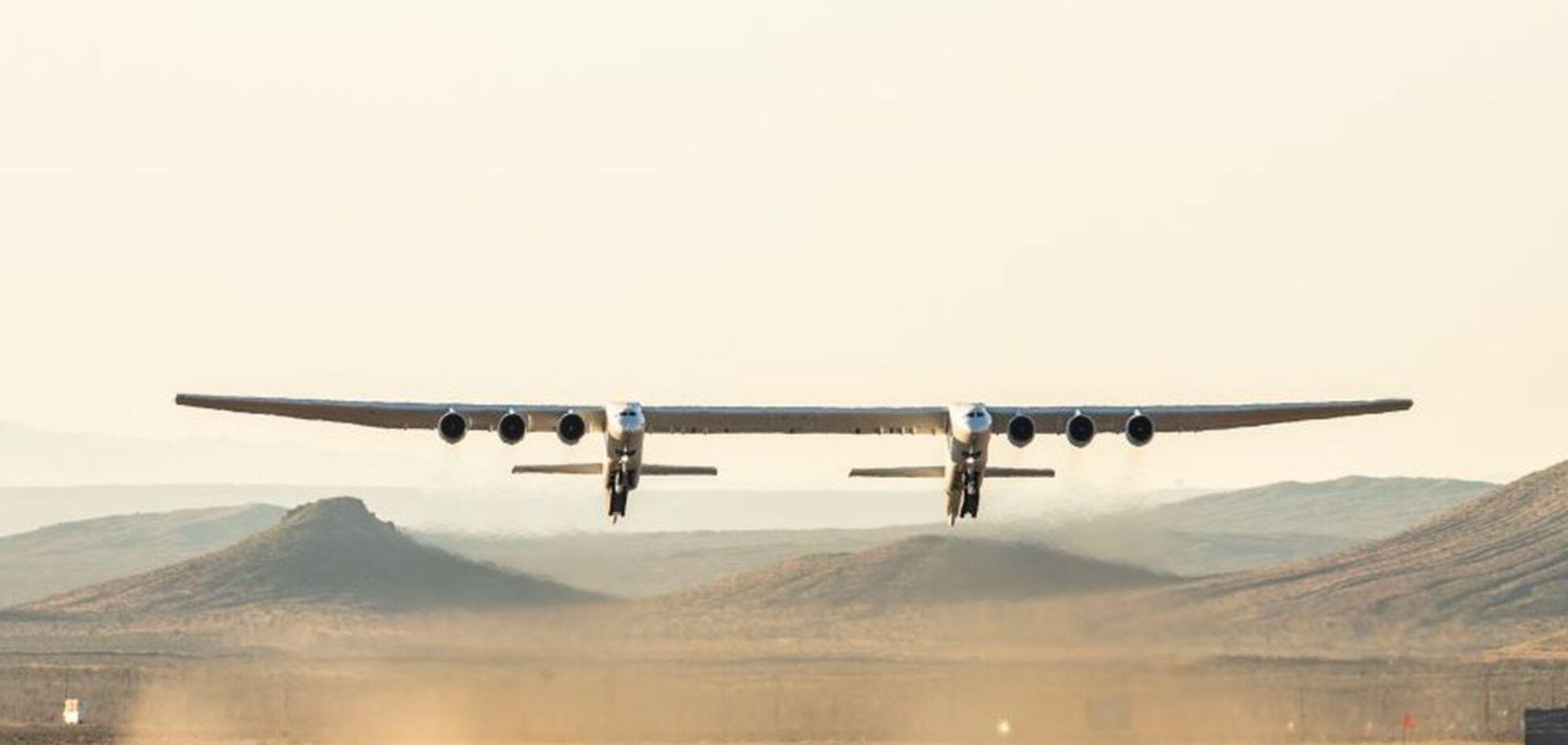 Літак-гігант Stratolaunch удруге піднявся в повітря