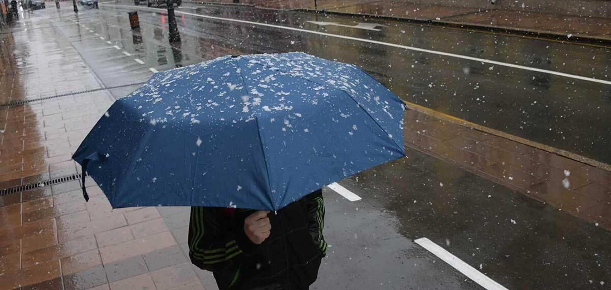 В перший тиждень квітня Україну накриє мокрий сніг, сильні вітри та заморозки