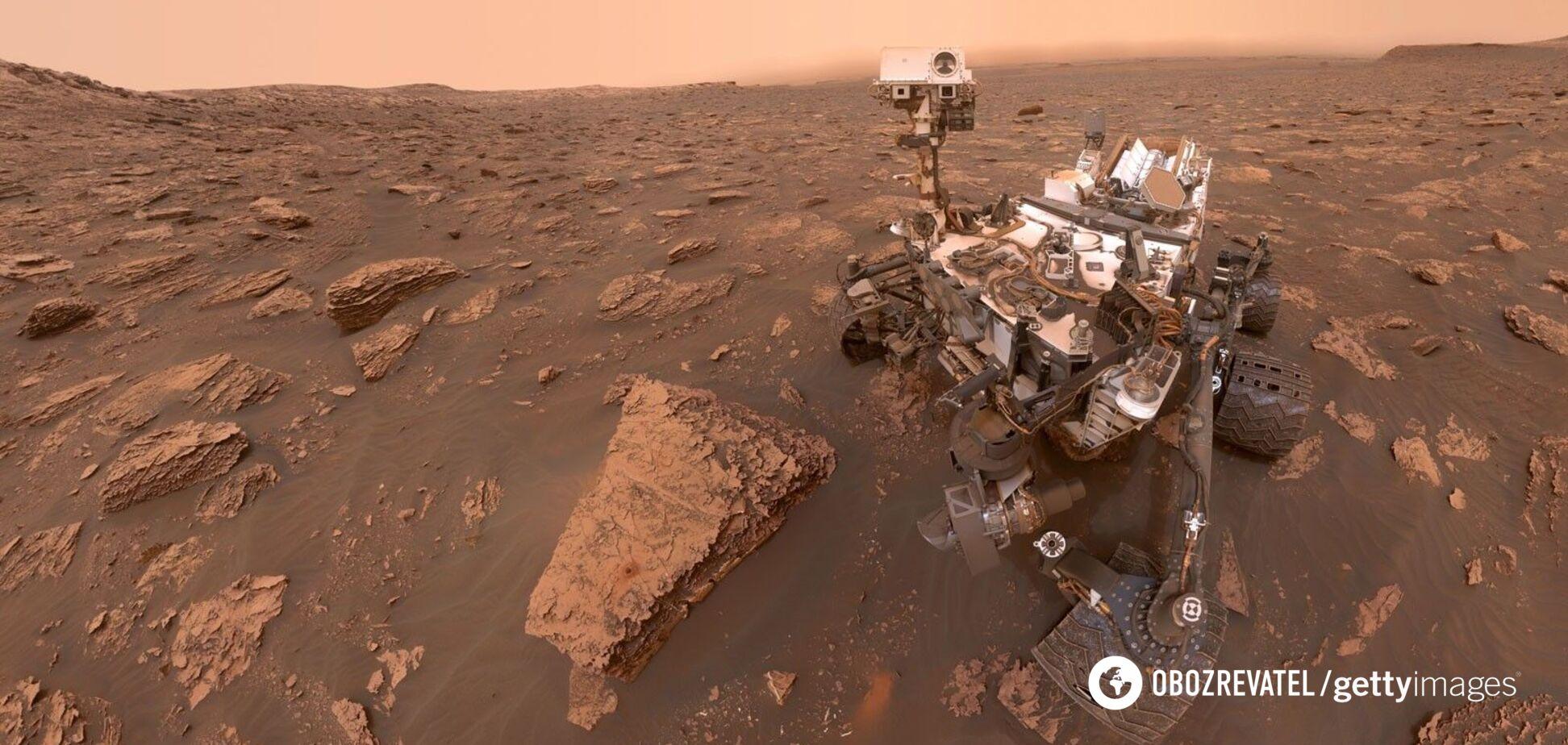 Марсоход Curiosity сделал селфи на фоне 'французской горы'
