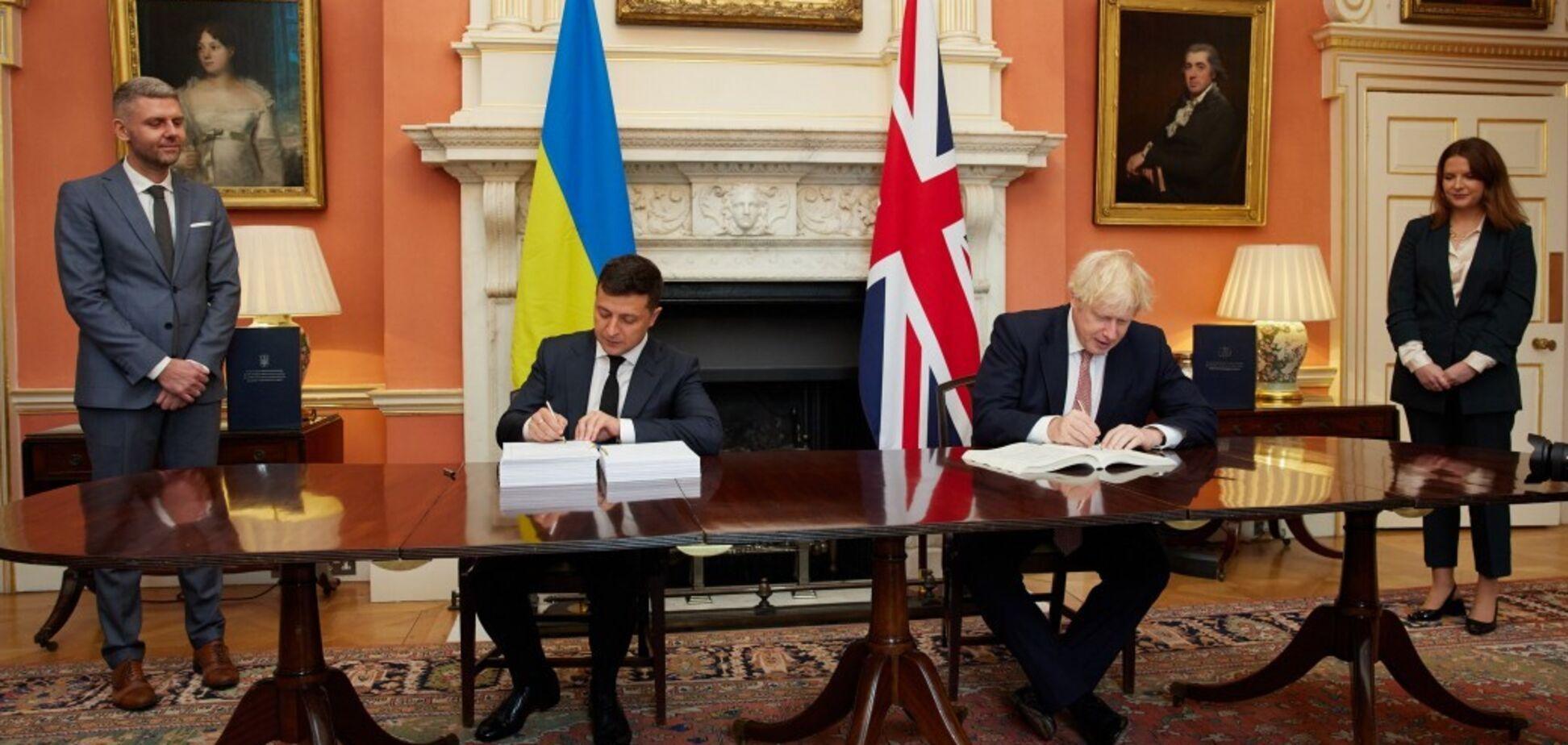 Зеленський попросив Джонсона посилити тиск на Росію та збільшити присутність НАТО