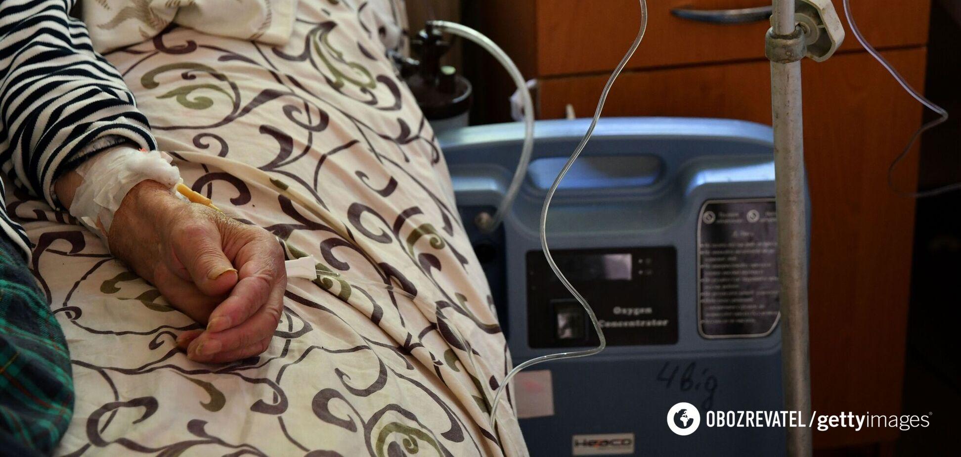В Украине установлены рекорды смертей и госпитализаций от COVID-19
