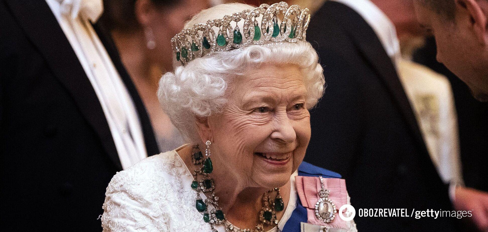 Опубликованы архивные фото с Елизаветой II из нового фильма о ней
