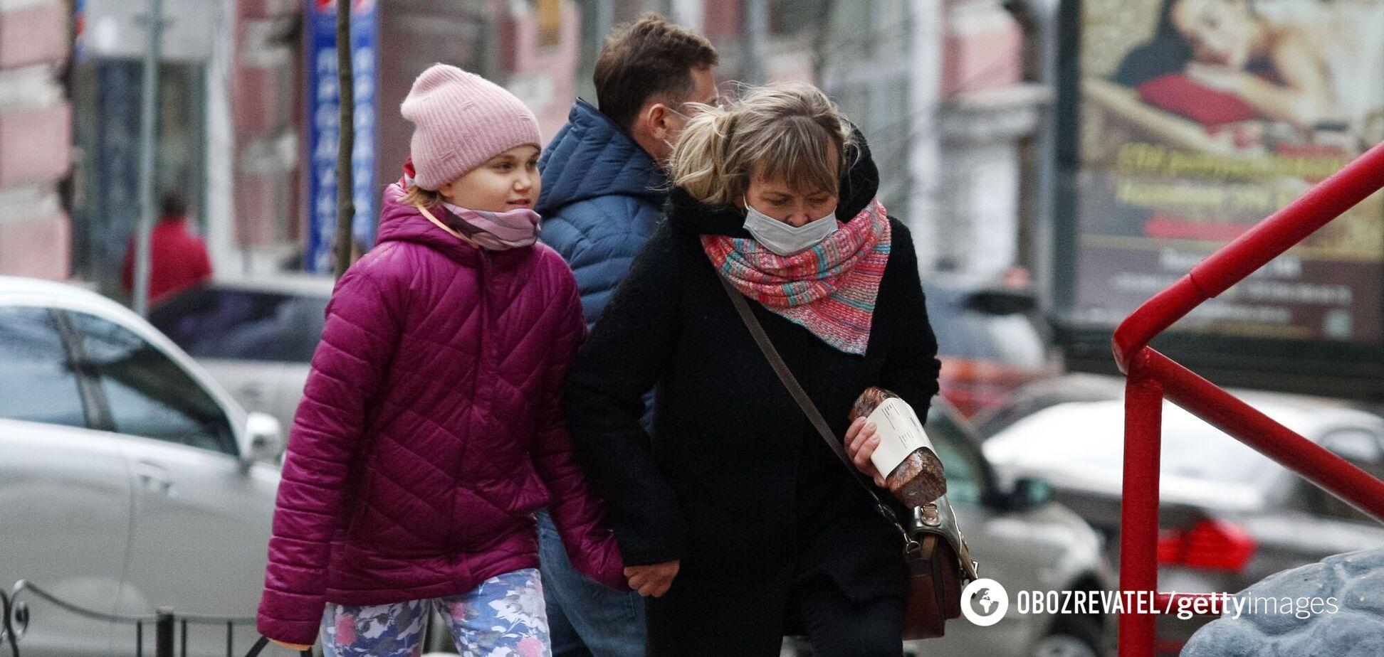 В Україні ще дві області переходять у 'червону' зону карантину, тепер їх 12