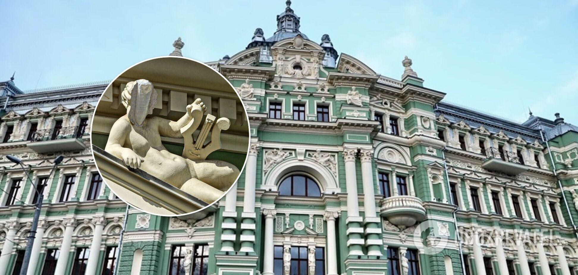 В Одесі відреставрували будинок за 150 млн гривень: статуя, відновлена пляшкою, розвалилася. Фото