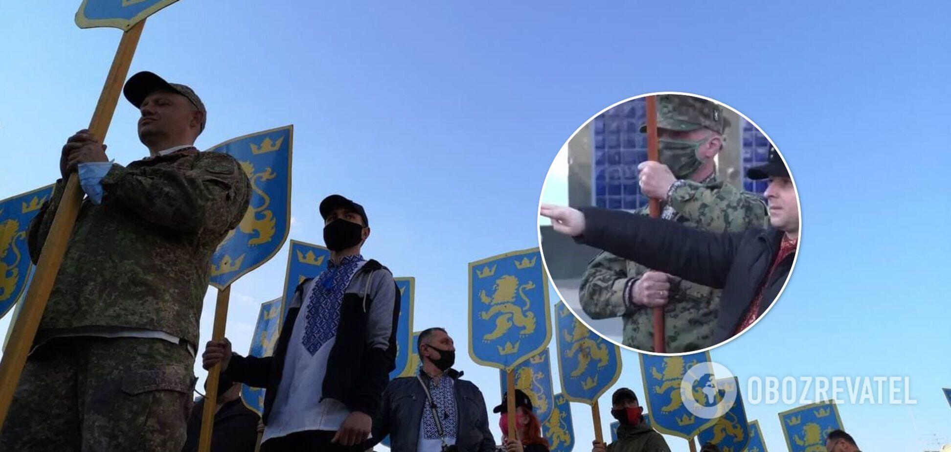 Учасника маршу в Києві покарають за нацистське вітання: в поліції повідомили деталі