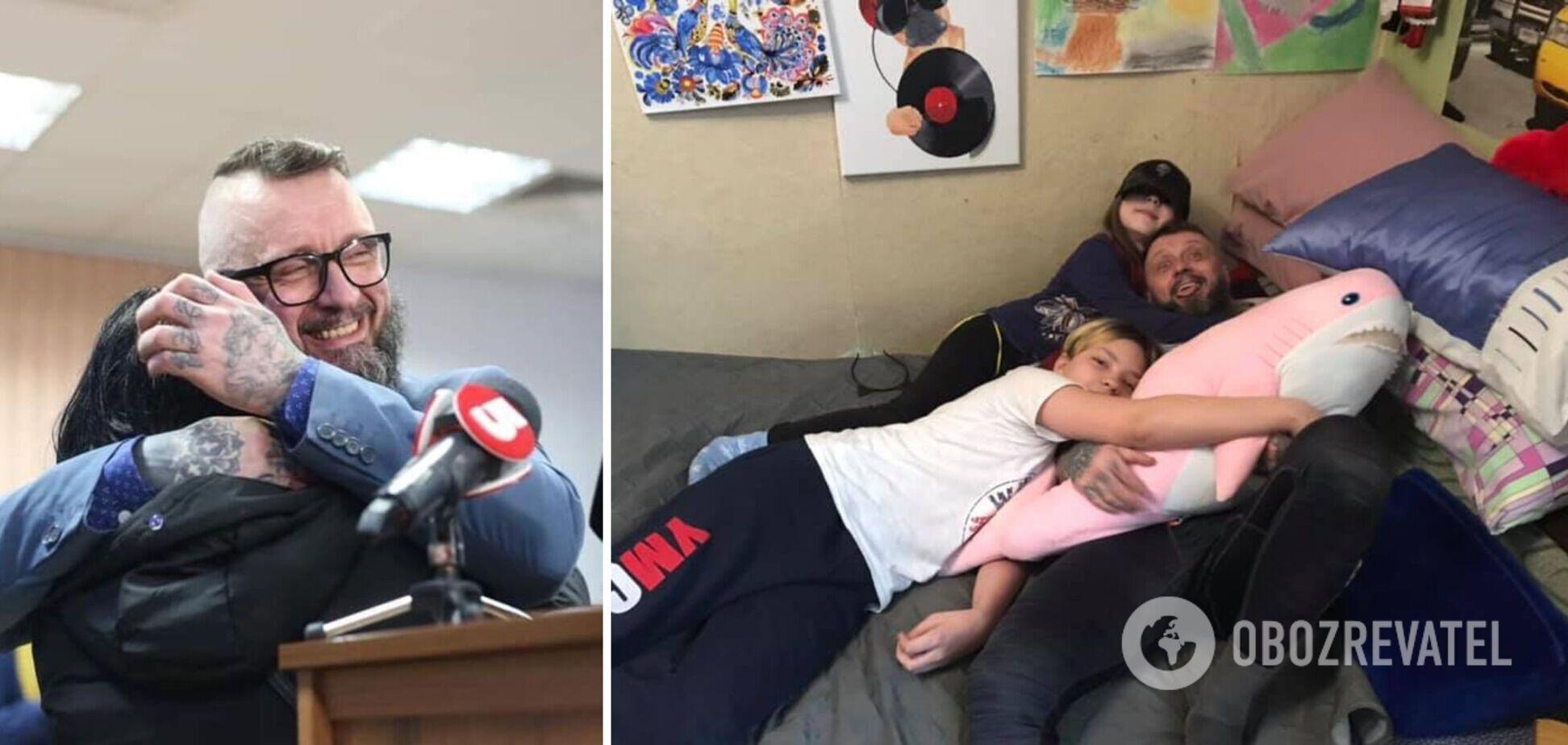 Мережу зворушило фото Антоненка з сім'єю після звільнення з СІЗО
