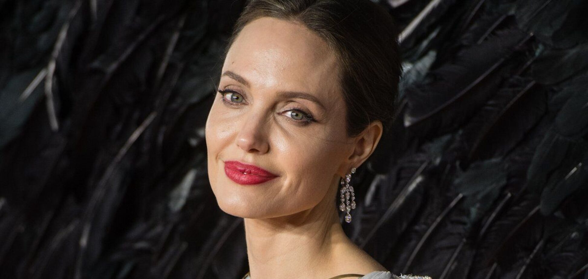 Джолі вперше розповіла про травму через розлучення з Піттом