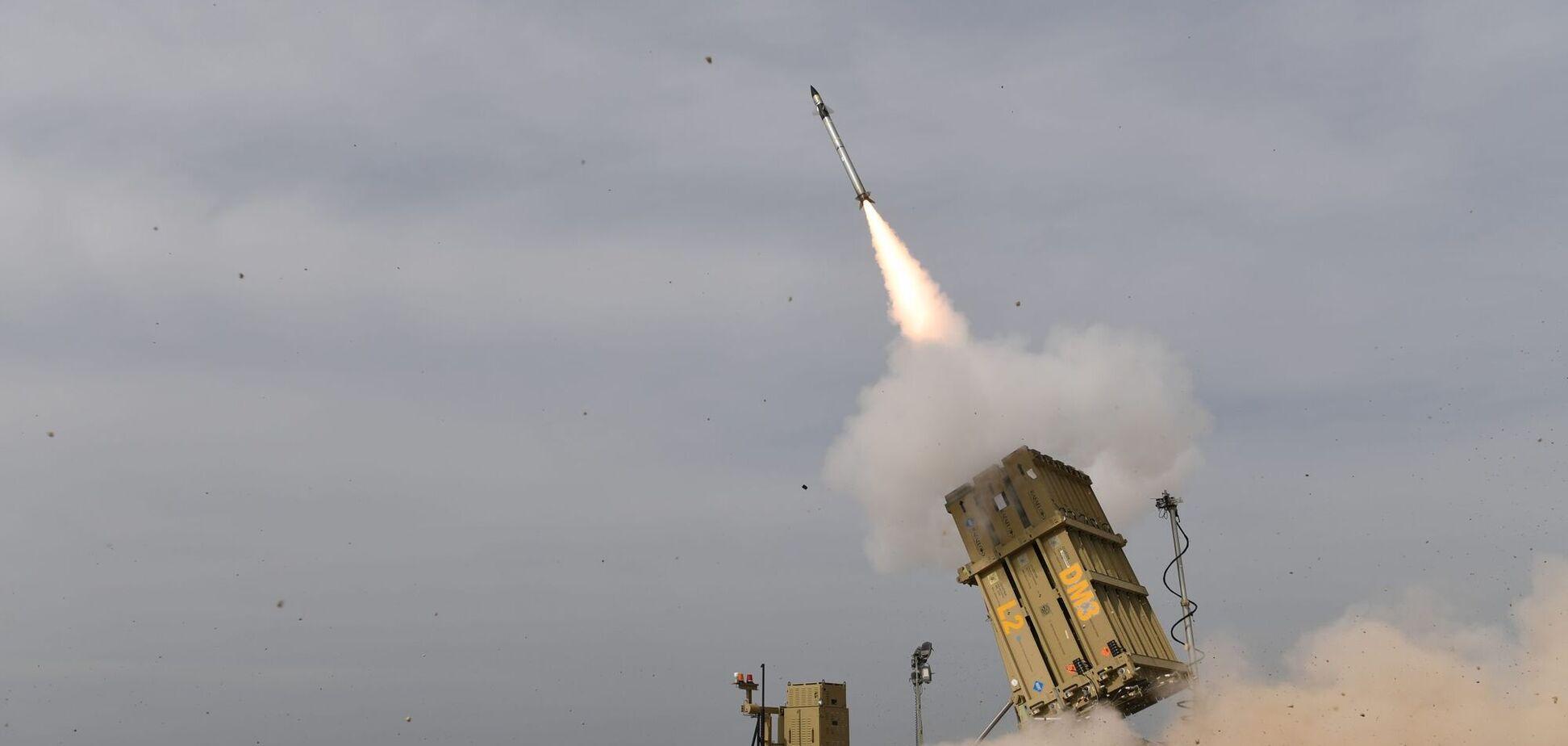 Випустили понад 200 ракет: ХАМАС обстріляв місто в Ізраїлі