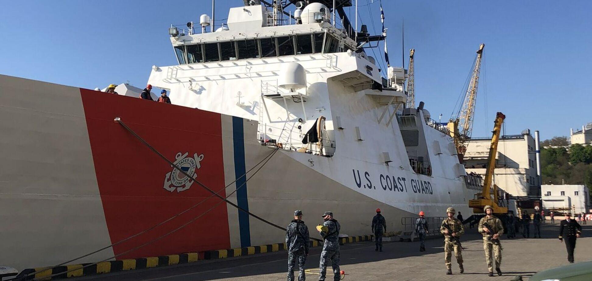 Корабль НАТО зашел в порт Одессы. Фото и видео