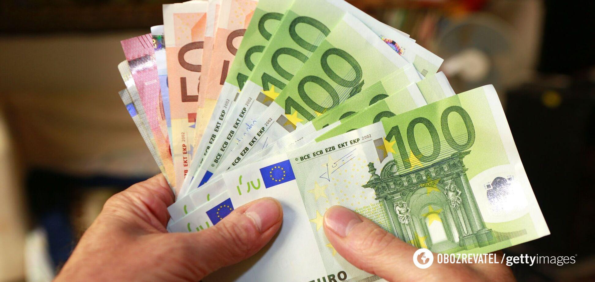У ЄС захотіли заборонити готівкові розрахунки на понад 10 тисяч євро