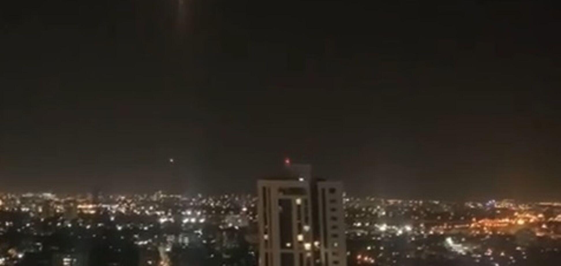 ХАМАС обстрелял Тель-Авив, задействован 'Железный купол'