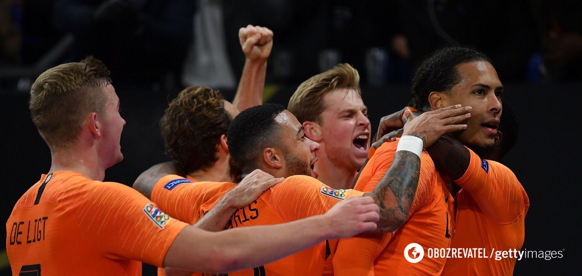 Вірджил ван Дейк і його партнери святкують гол
