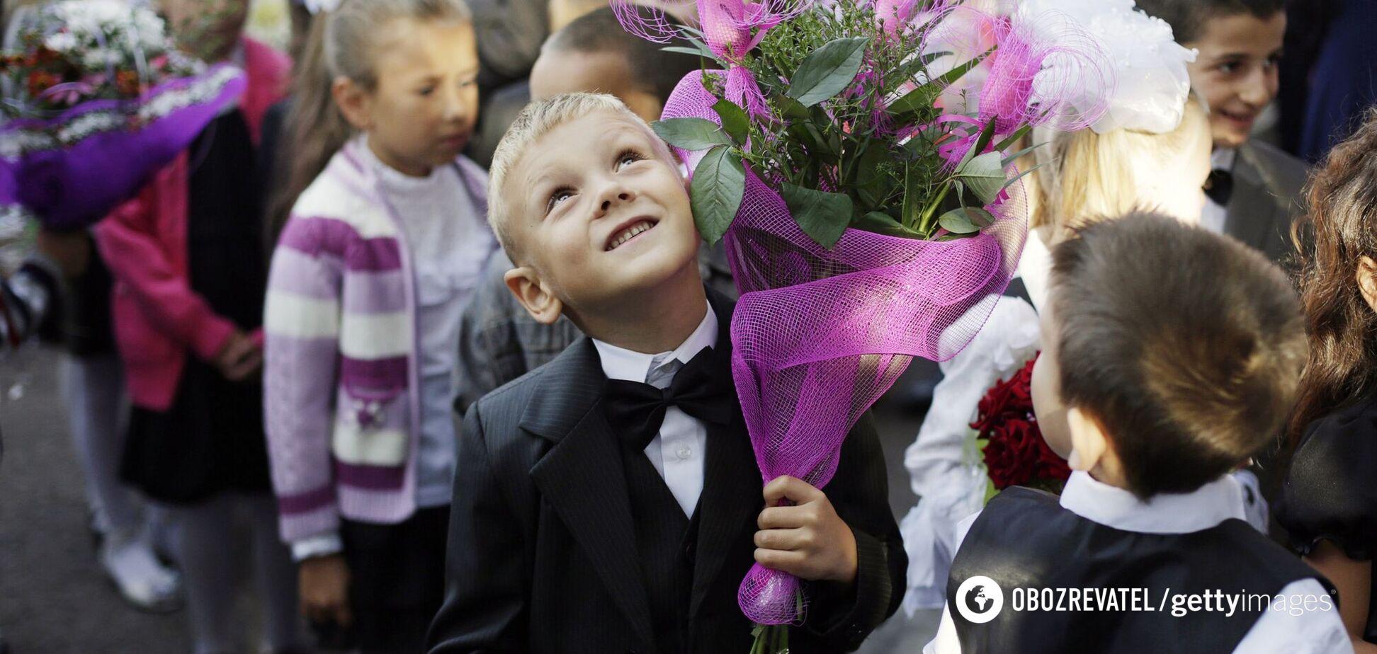 Названы города Украины, где школьникам продлят обучение летом