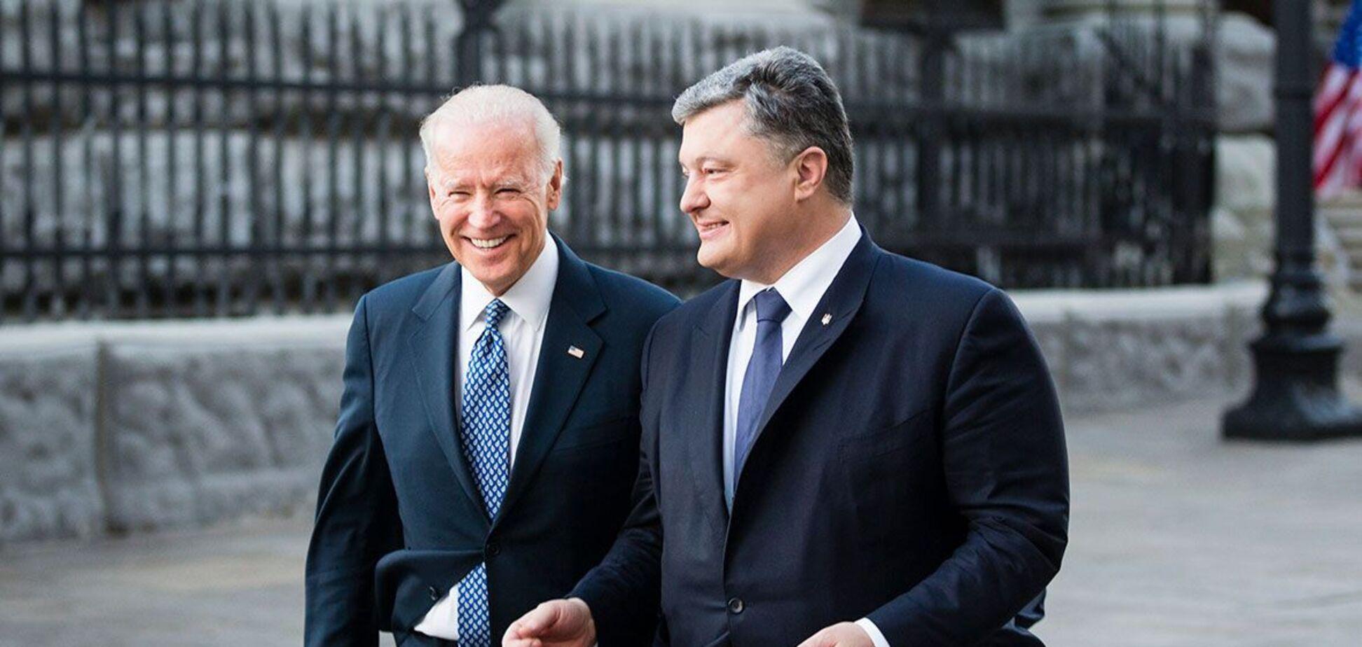 Порошенко передав листа Байдену під час візиту Блінкена в Україну