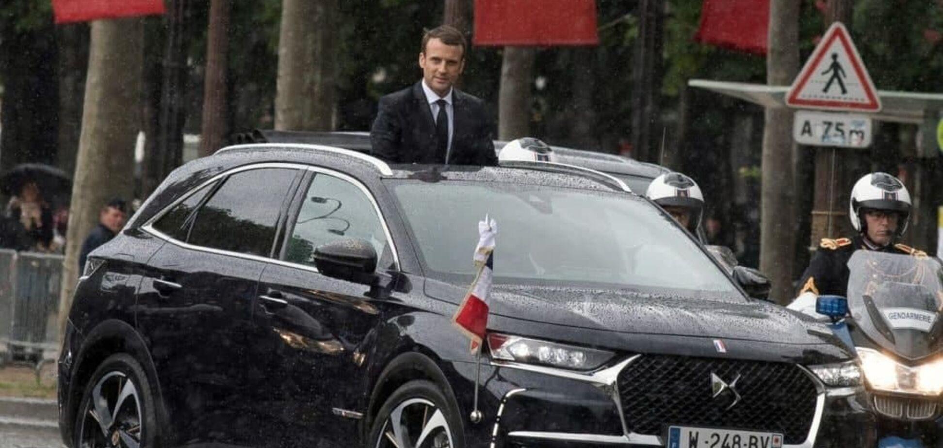 На улицах Киева заметили автомобиль DS 7 Crossback в кортеже, похожем на кортеж президента Франции