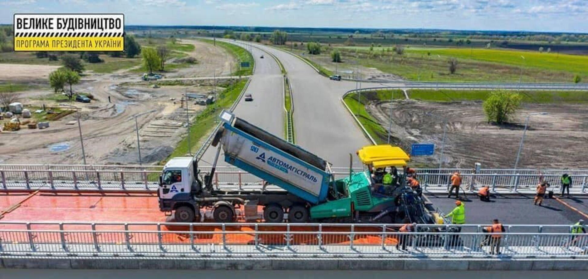 Компания 'Автомагистраль-Юг' завершает строительство двух двухуровневых транспортных развязок европейского уровня