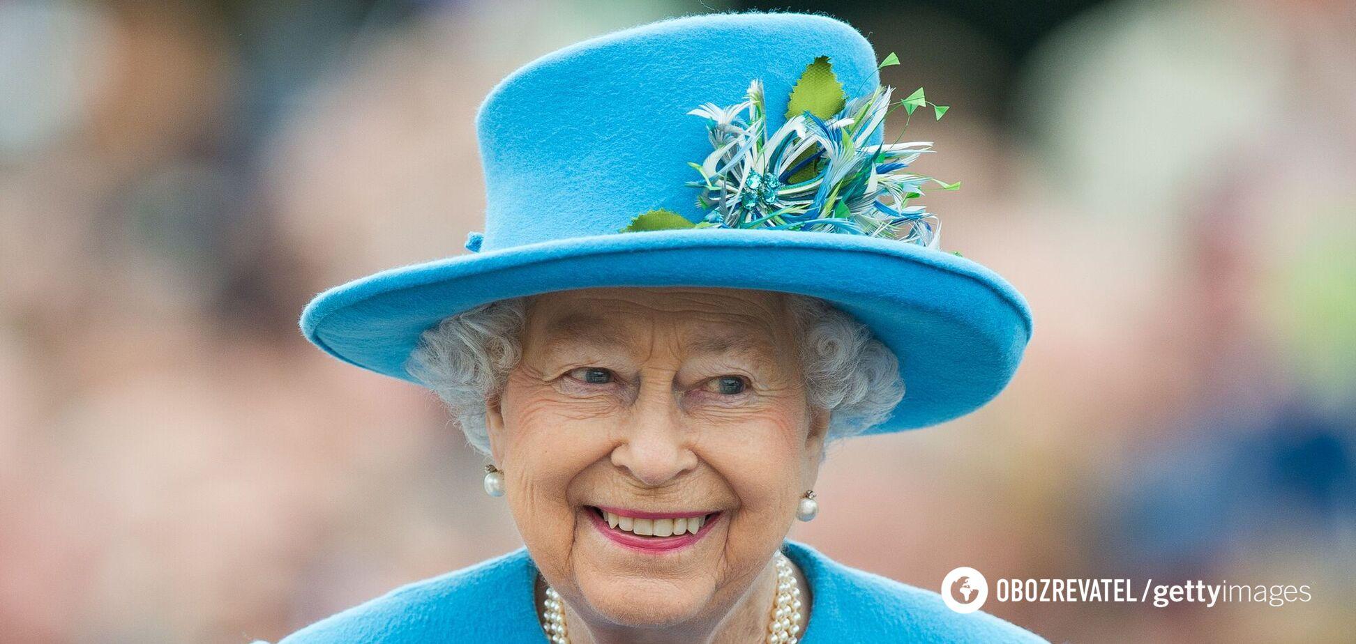 Названо культовий аксесуар Єлизавети II, без якого вона не обходиться в похмурі дні