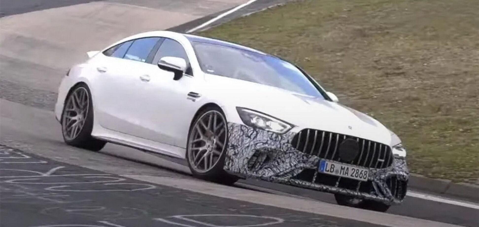 Прототип Mercedes-AMG GT 73e відзначився на Нюрбургринзі