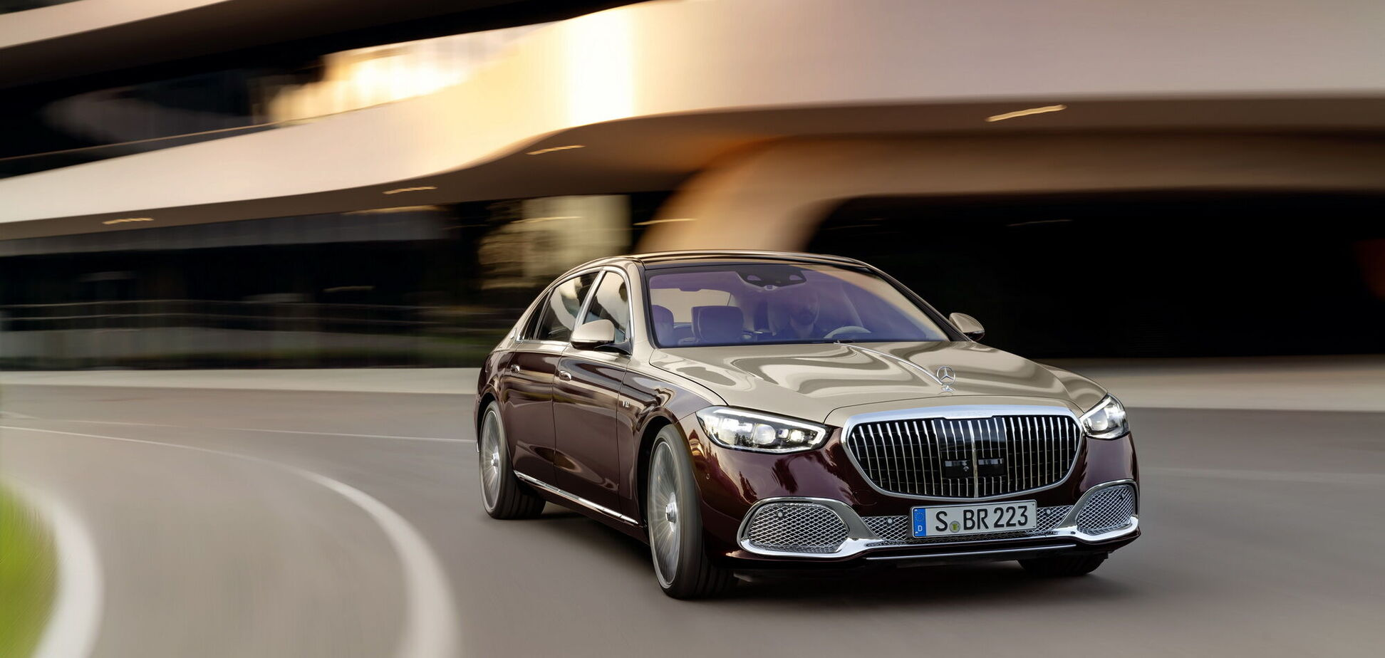 Mercedes-Benz назвал цены и характеристики новых версий S-Class