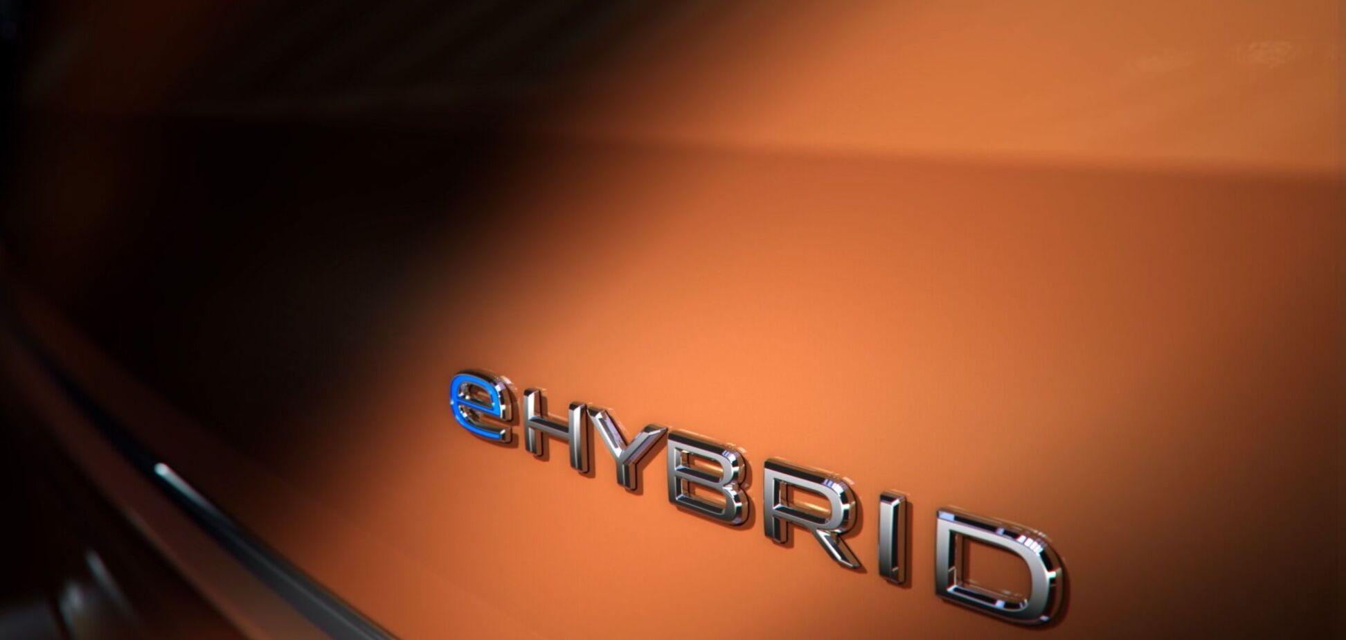 Volkswagen анонсировал гибридную версию нового Multivan