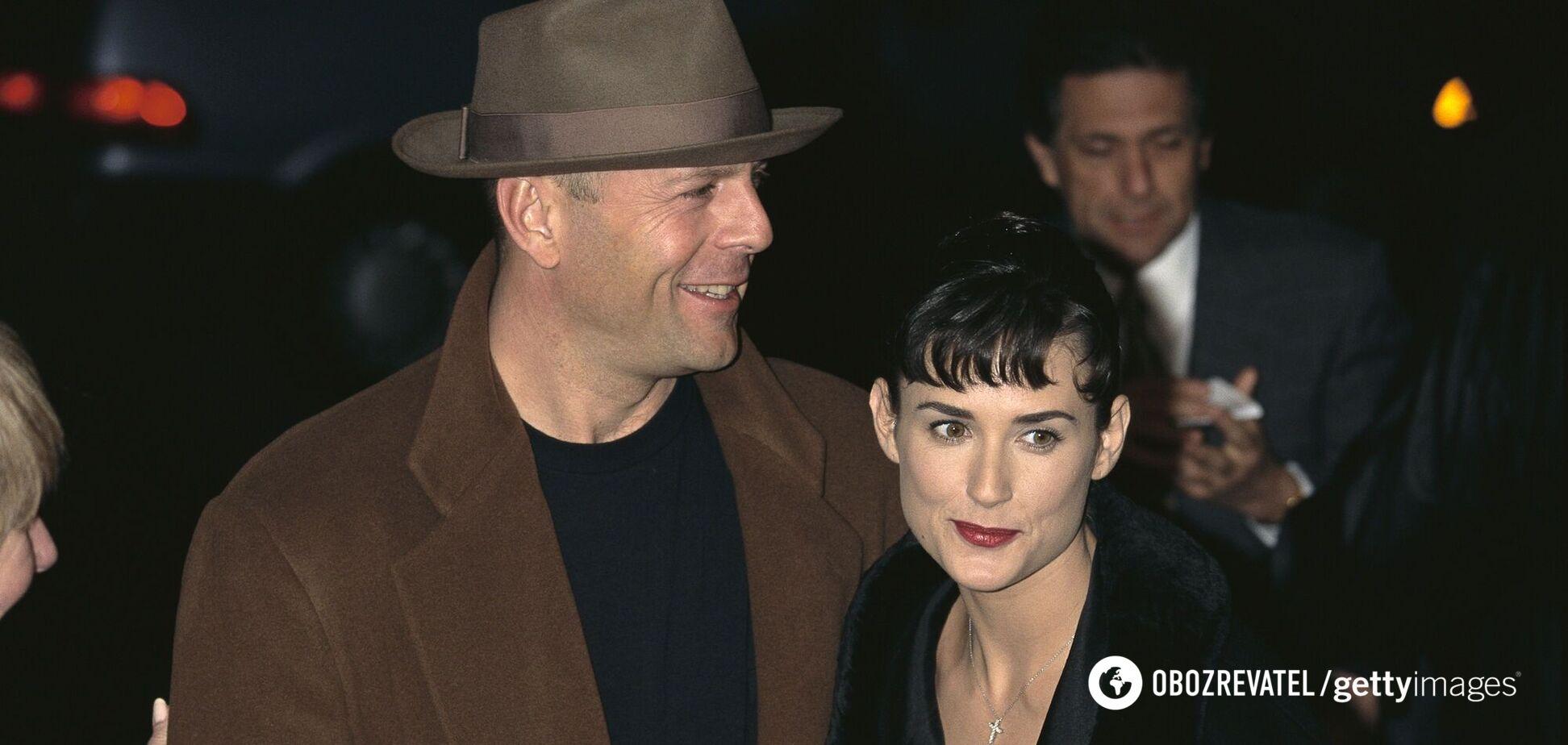 Мур и Уиллис позировали в крепких объятиях на отдыхе в 1991