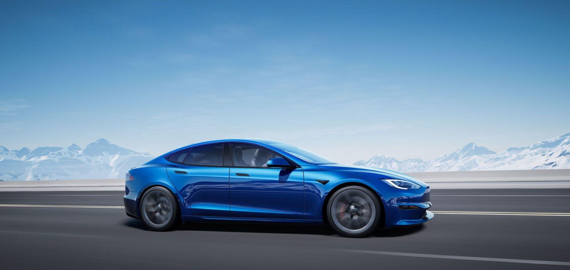 Tesla назвала дату старта производства Model S Plaid