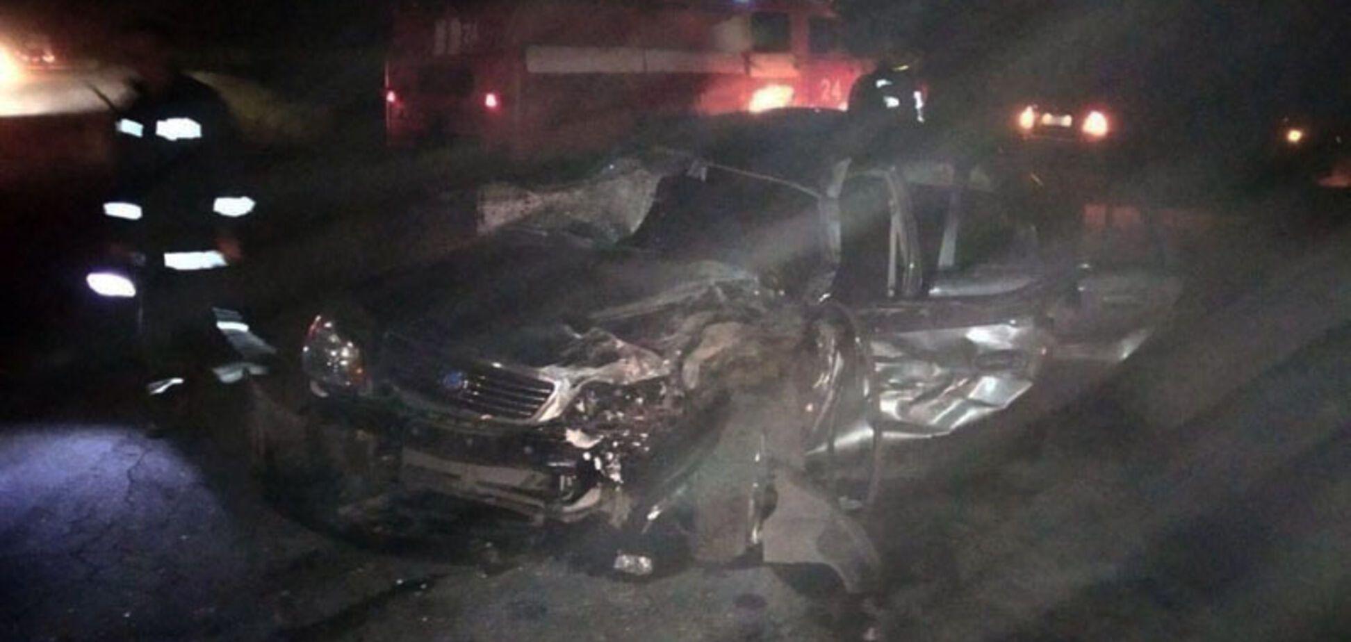 Під Дніпром лоб у лоб зіткнулися два авто