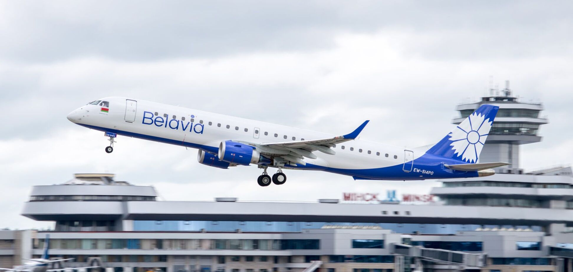 Белорусская авиакомпания запретила рейсы в Украину
