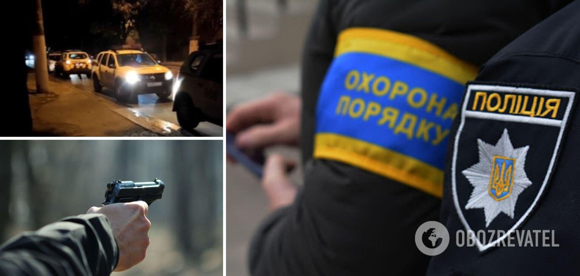 В Одессе нетрезвый мужчина размахивал пистолетом и предлагал копам 'выстрелить ему в голову'. Видео