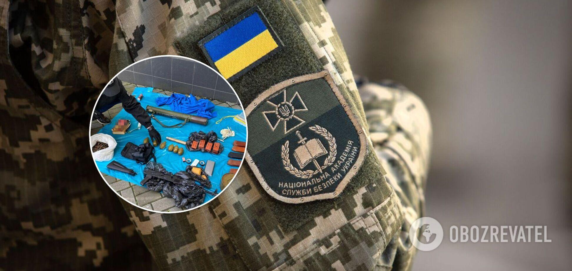 В Киеве неизвестные устроили подземный склад оружия и боеприпасов