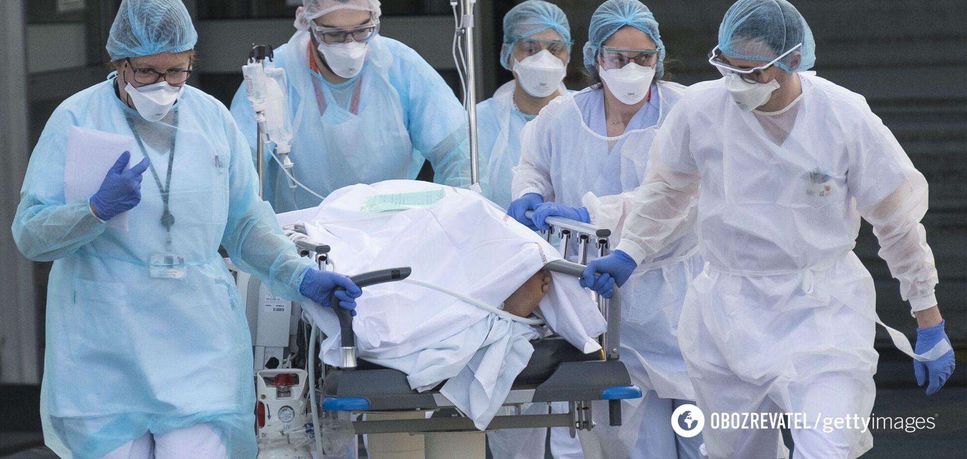 Названо симптоми COVID-19, за яких потрібна термінова госпіталізація