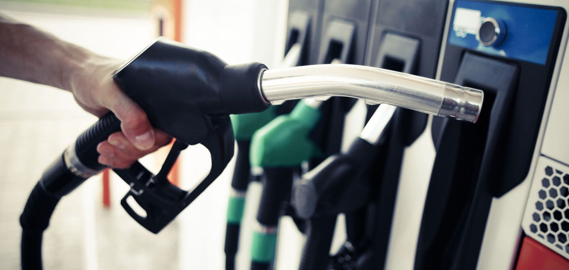 Ціни на бензин і автогаз злетіли з початку року