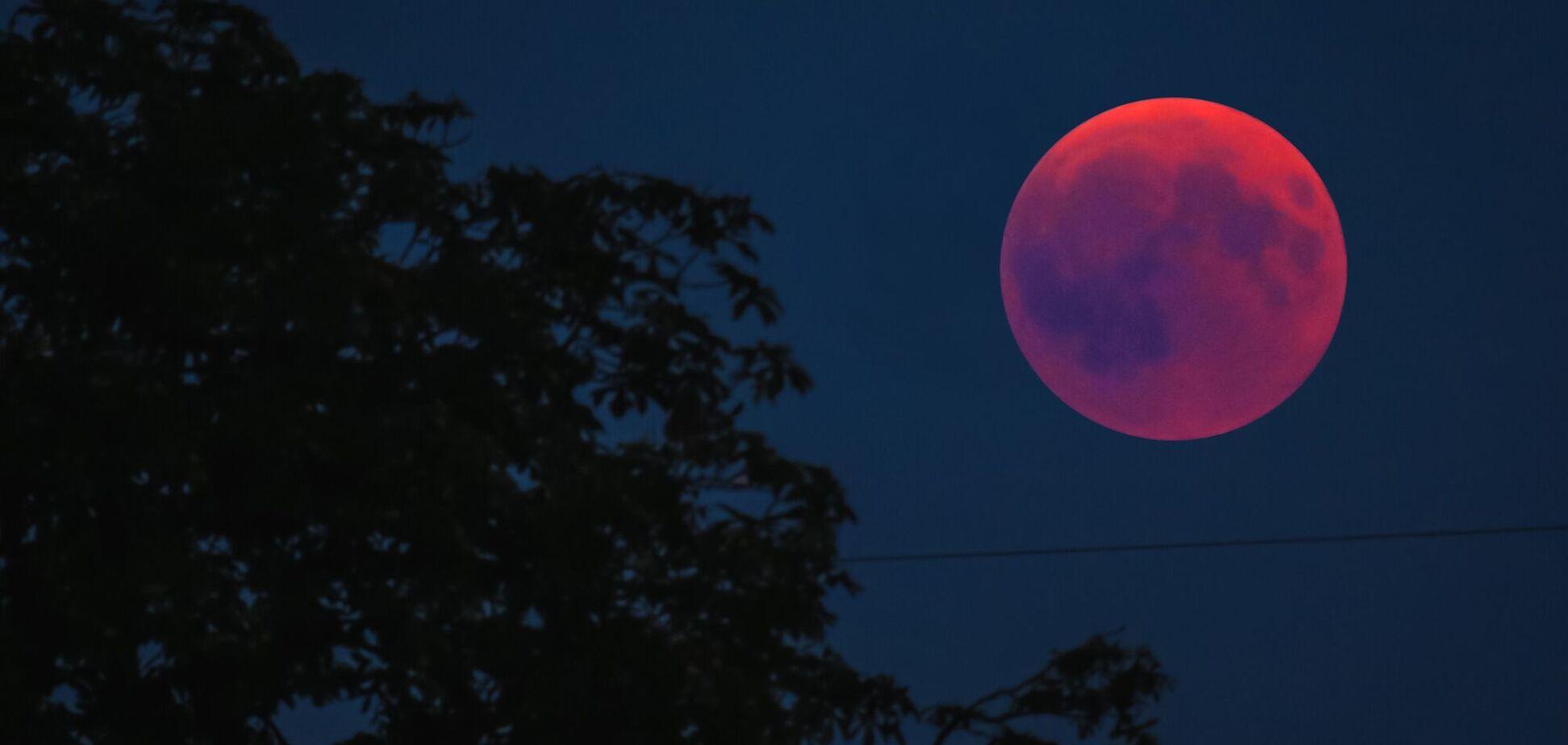 В ночном небе 26 мая будут видны Кровавая Лунаи суперлуние