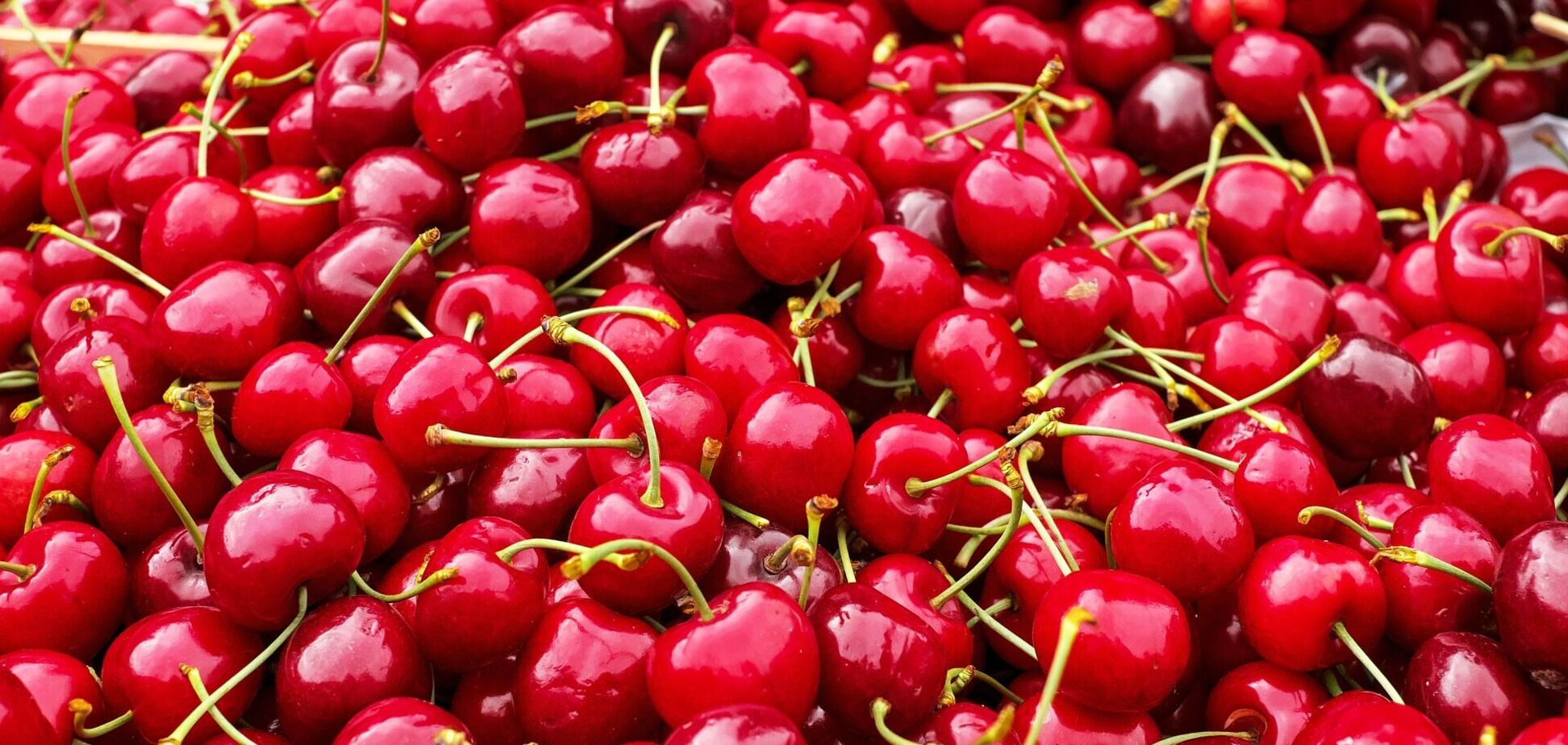 Цены на ягоды и фрукты в Украине в 2021-м вырастут