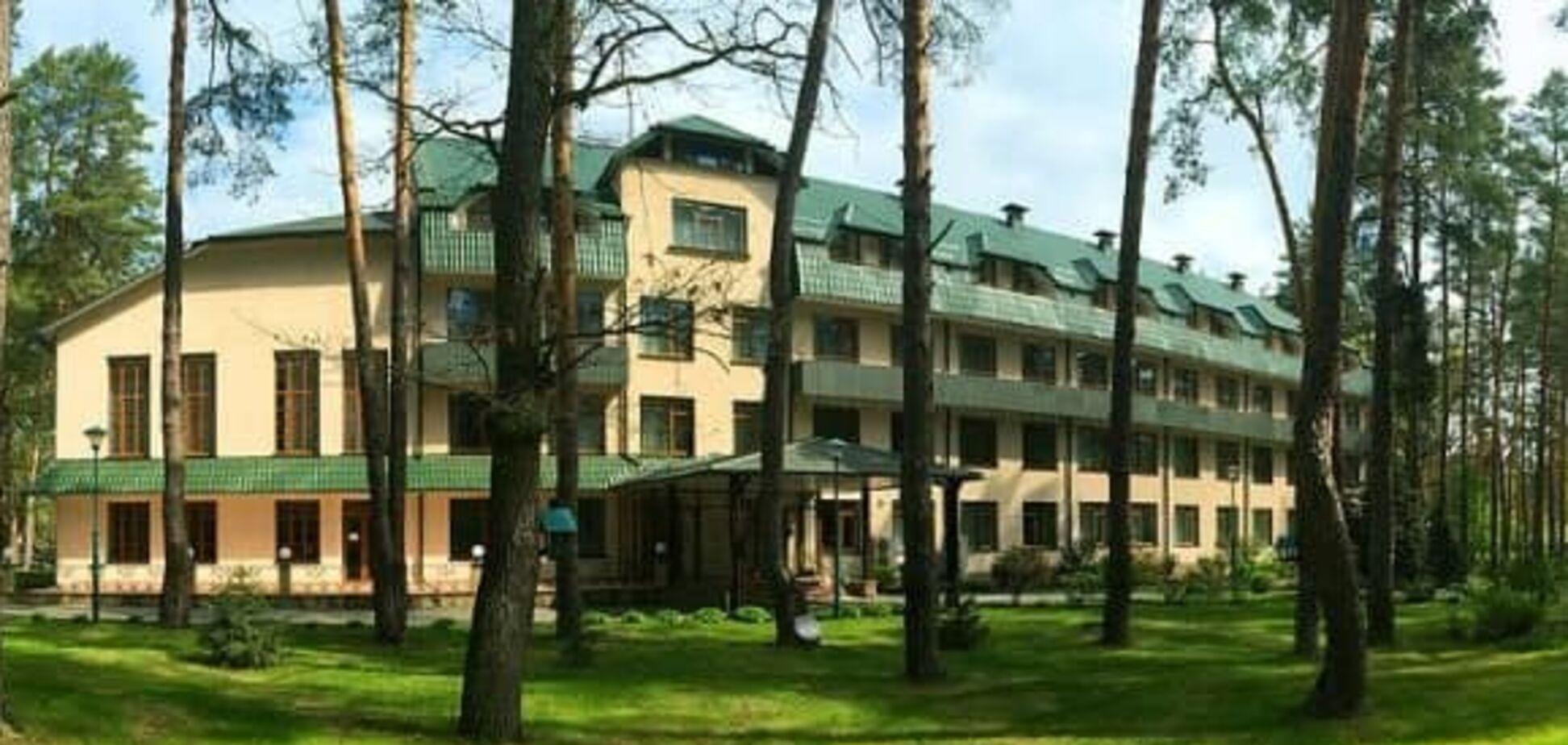 Укрпочта продала гостиницу в Буче компании, основанной меньше года назад