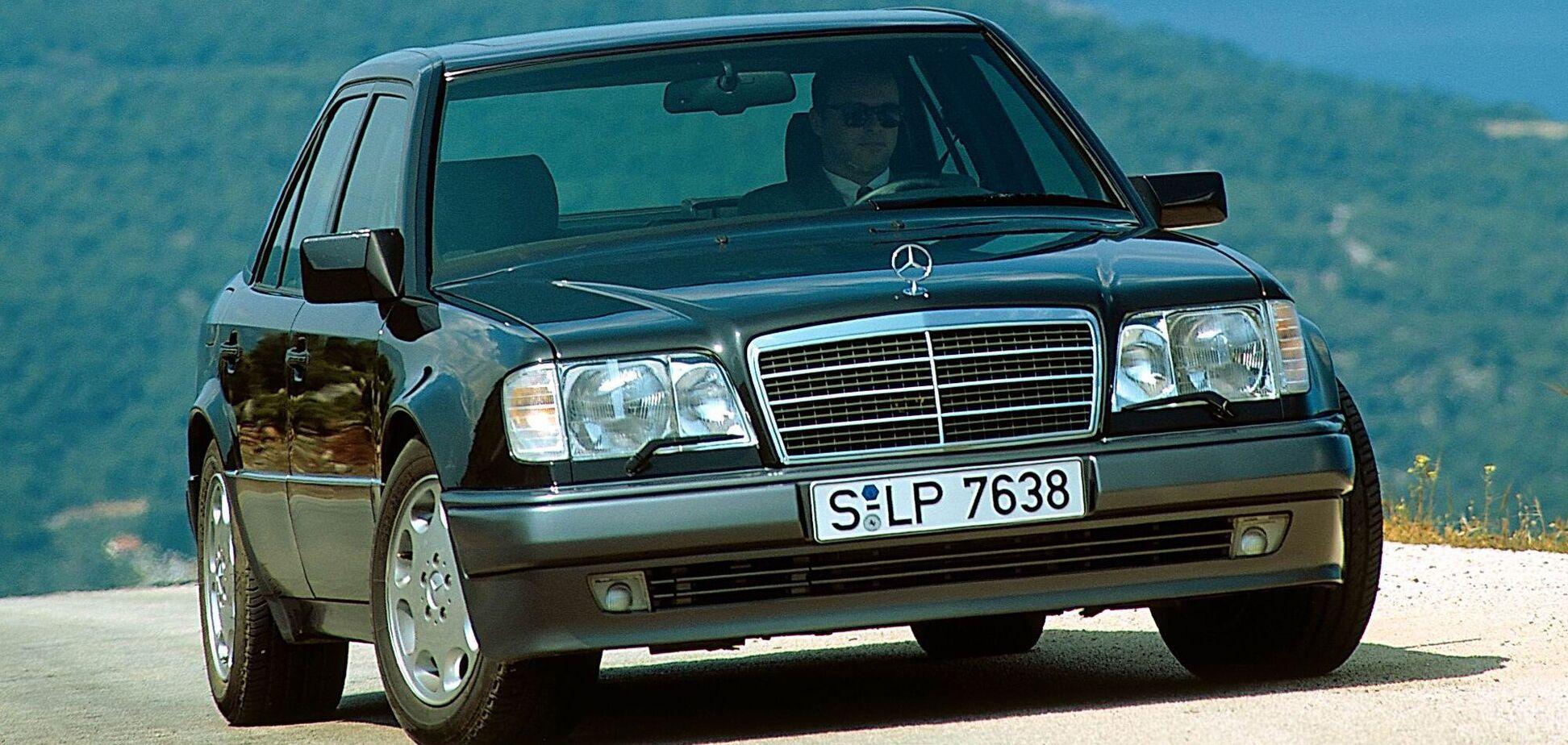 У Porsche відзначили 30-річчя Mercedes-Benz E500