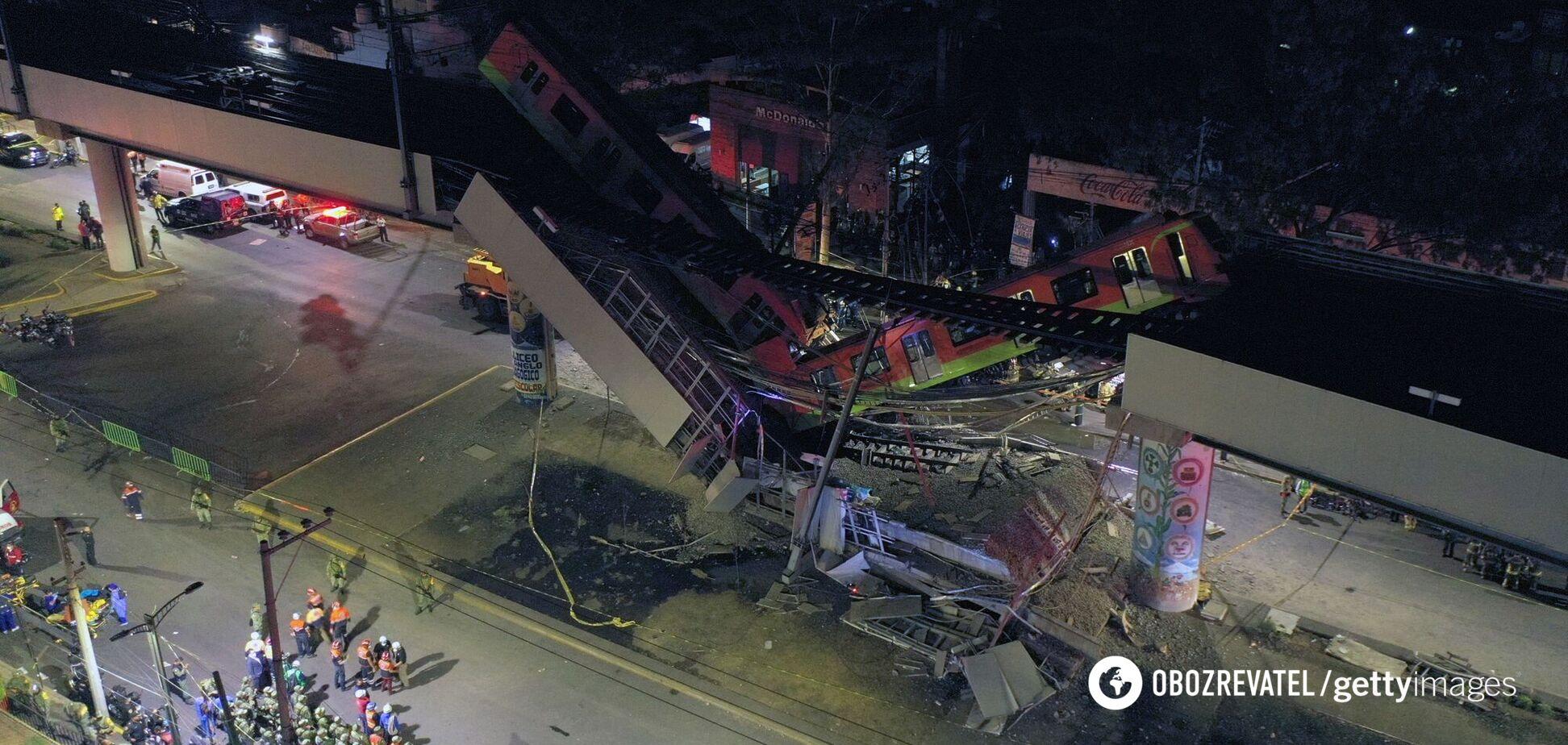 У Мексиці обвалилася естакада з метро, багато жертв