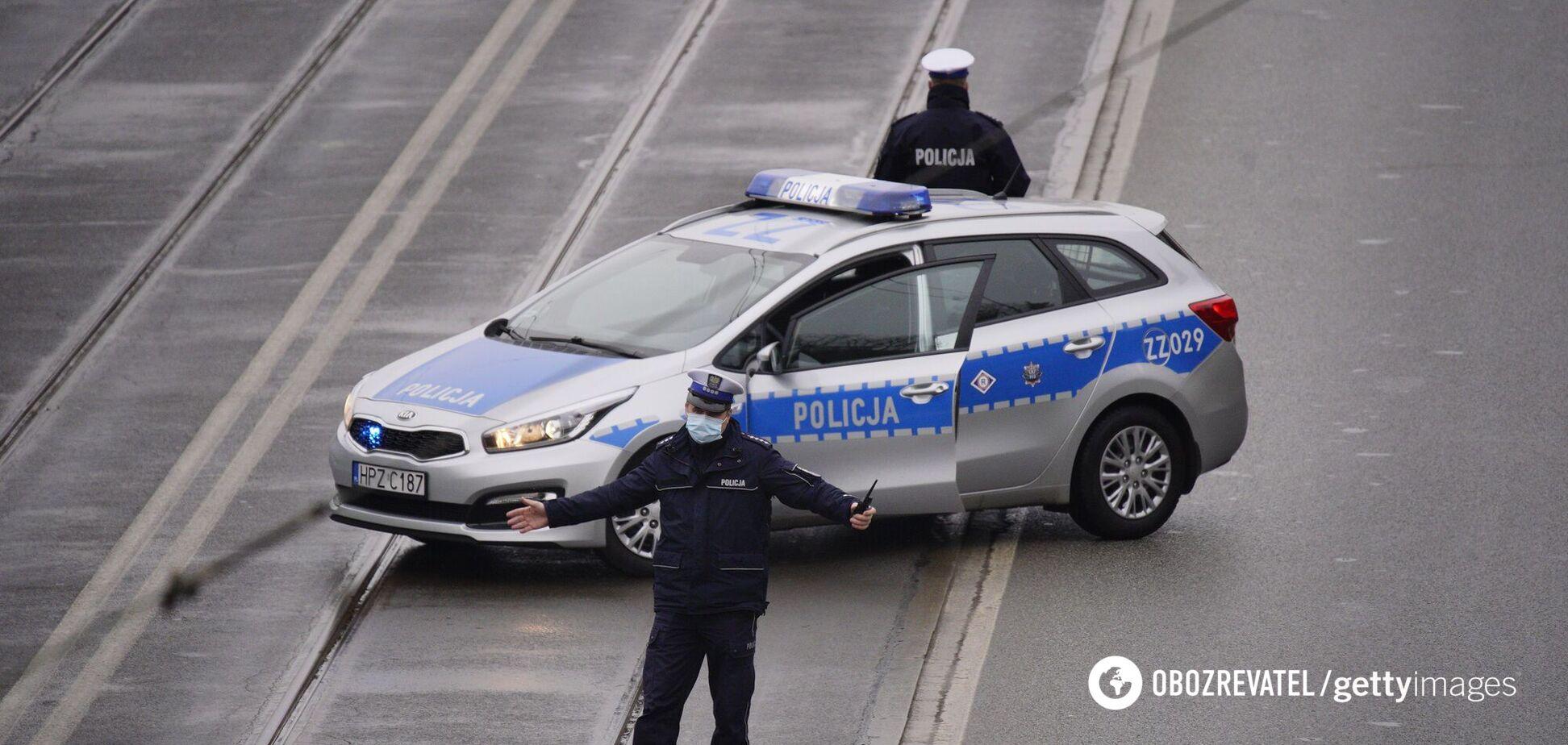 Поліція затримала п'ятьох осіб у віці від 24 до 31 року