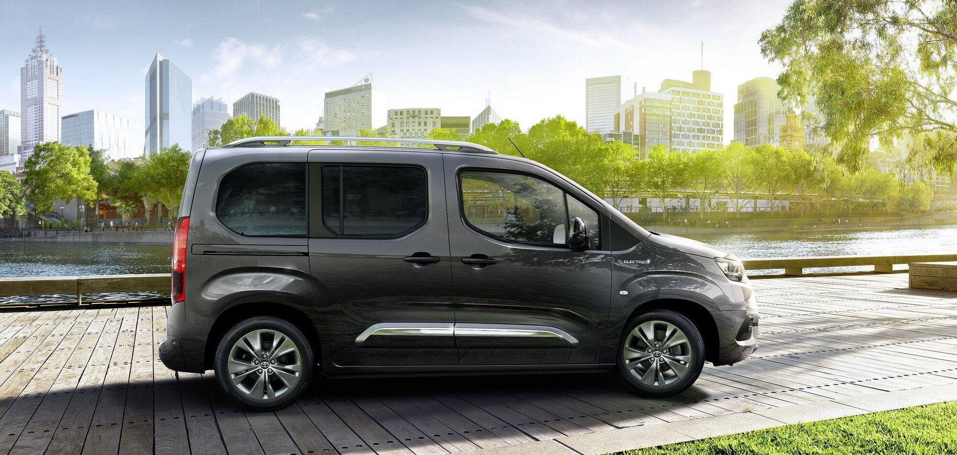 Toyota представила електричний Proace City