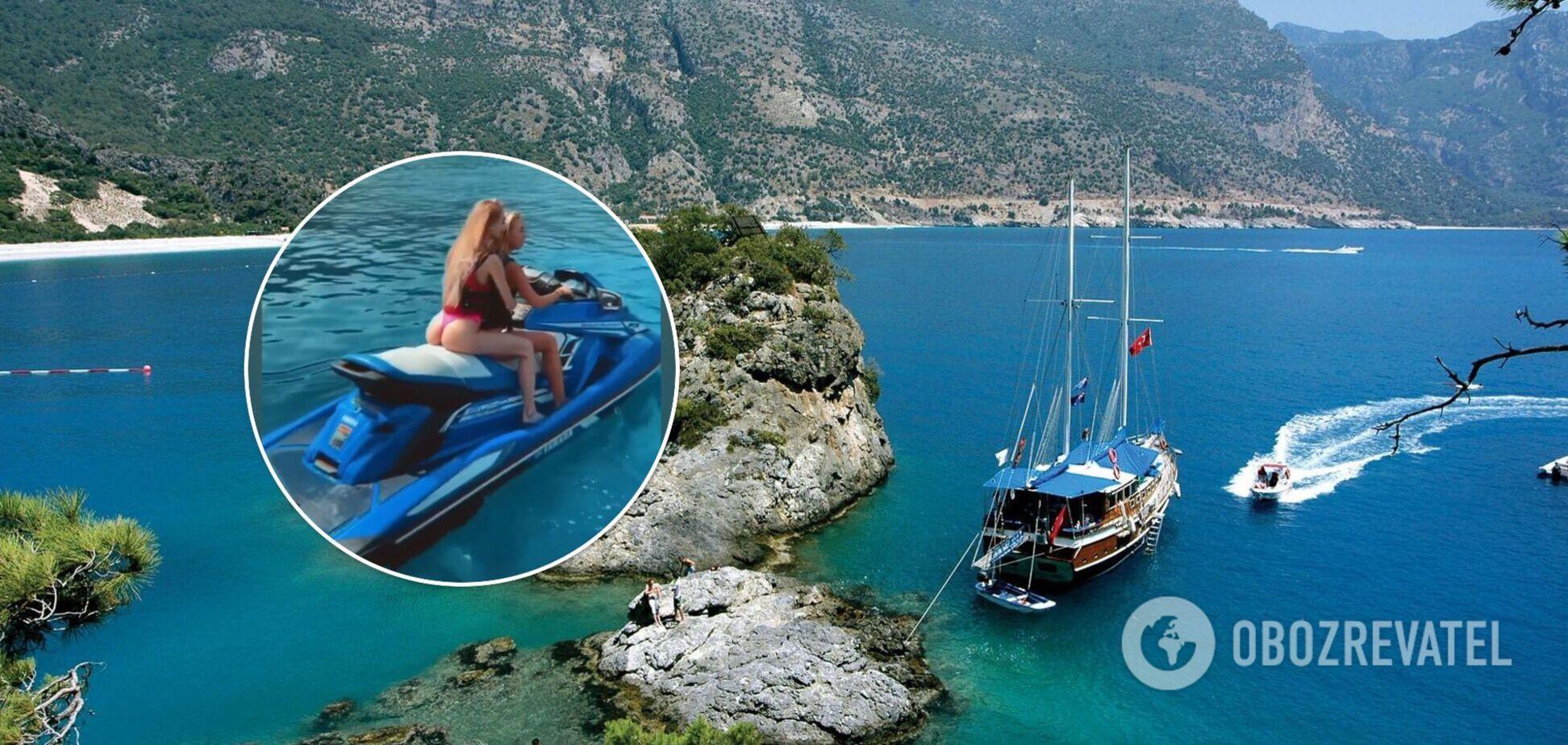 Учасниці голої фотосесії в Туреччині детально показали, як провели час на яхті. Фото