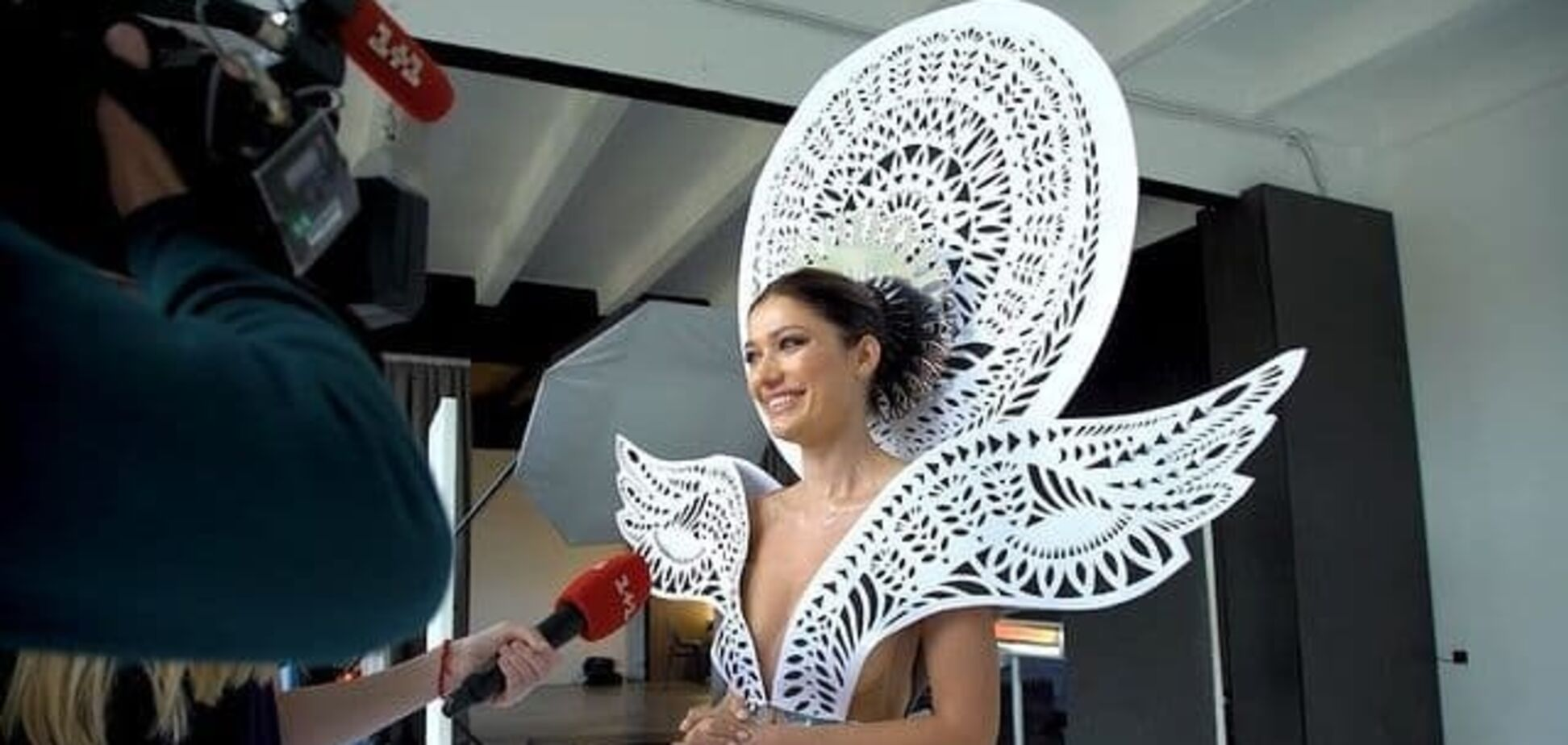Как проходила фотосессия национального костюма на 'Мисс Вселенная'